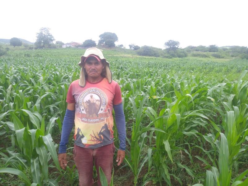 Agricultores de Poço Dantas recebem assistência técnica da Secretaria Municipal de Agricultura e Meio Ambiente