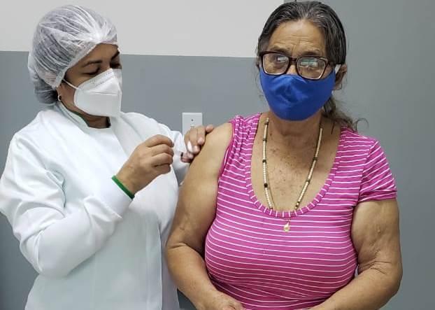 Prefeitura de Poço Dantas amplia vacinação contra a Covid-19 e inicia imunização de idosos a partir dos 71 anos