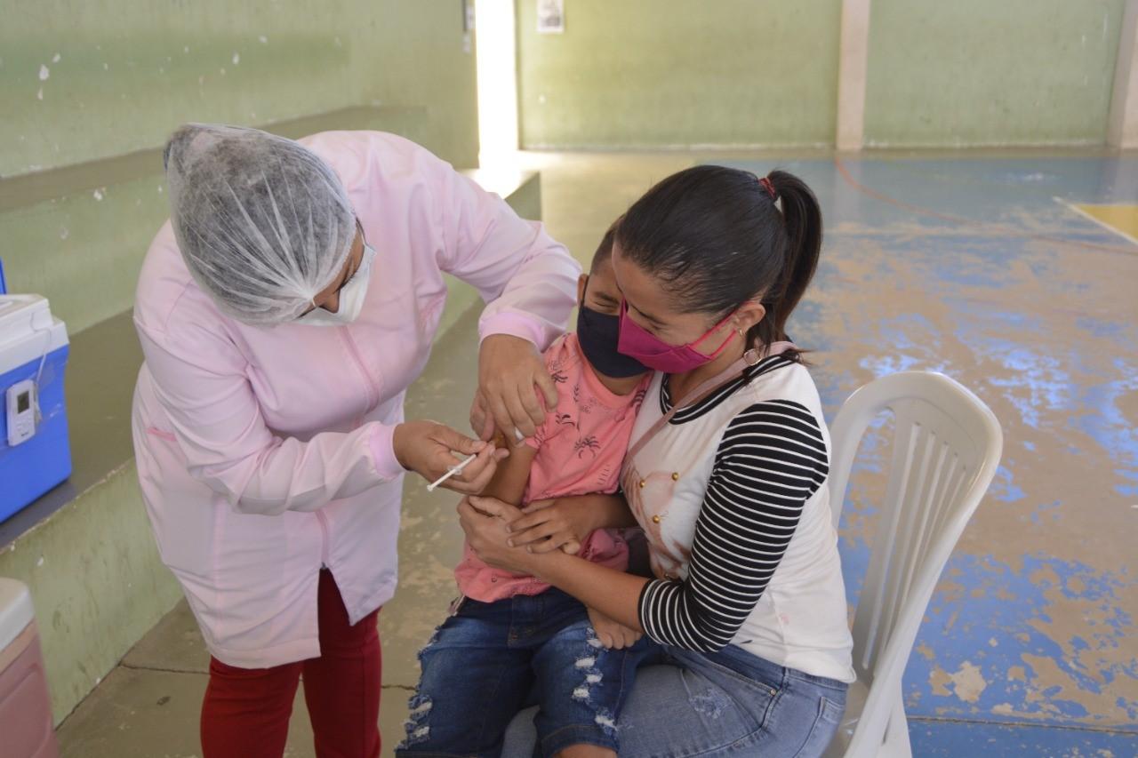 vacinas-contra-febre-amarela-poco-dantas.png