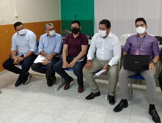 A convite do prefeito Itamar Moreira, gerente geral do BNB de Sousa visita Poço Dantas
